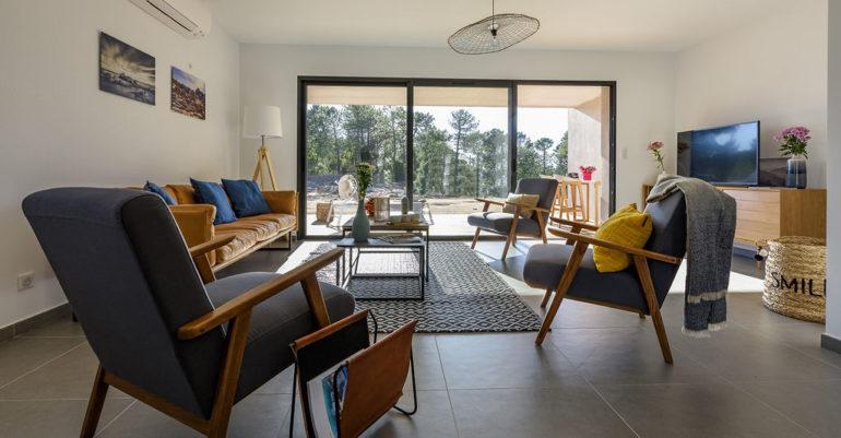 Sitting room in villa at Cala Rossa